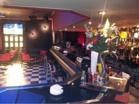 interior pub havana