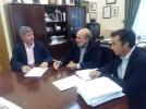 El Ayuntamiento entrega una parte de la ayuda a Indeplas para ampliar las contrataciones