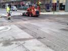 Regulado el tráfico en las travesías urbanas por el pintado de la señalización horizontal