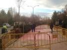 La brigada de obras repara aceras en la calle Río Jalón