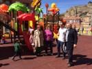 La plaza de Europa estrena un complejo de juegos infantiles