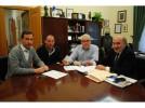 El Ayuntamiento entrega 4.000€ a la AECC, recaudados en una carrera popular