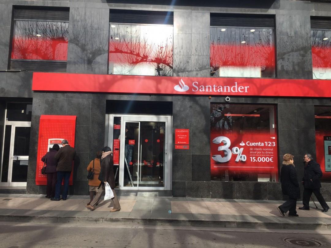 El banco santander reabre su oficina en calatayud con un for Oficinas banco santander las palmas