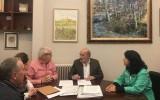 El Ayuntamiento entrega 5.000€ a la AECC en el Día Mundial Contra el Cáncer de Mama