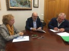 El alcalde y la concejal de Agricultura se reúnen con ATRIA para renovar su convenio anual