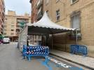 El Ayuntamiento instala carpas en las entradas al Centro de Salud de Calatayud